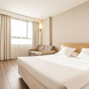 CORPORATE SINGLE ROOM Hotel ILUNION Valencia 4 Valencia